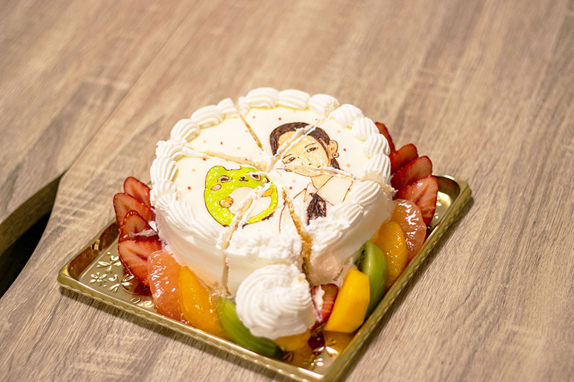 ケーキ入刀シーン